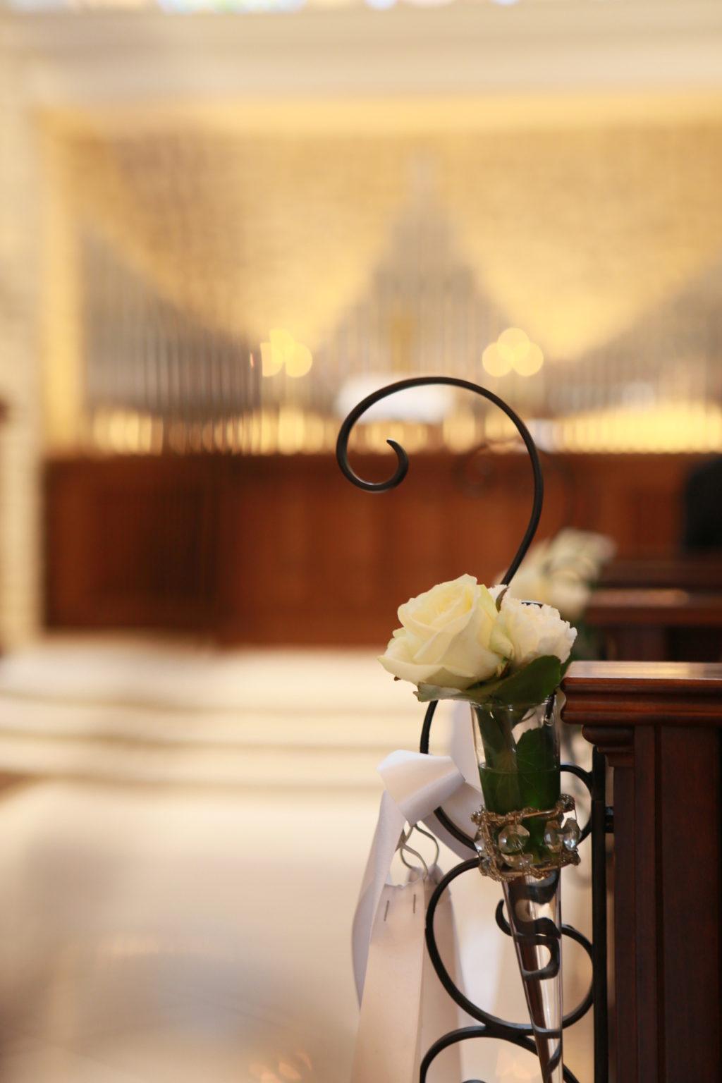 大きなチャペルでのキリスト教式結婚式