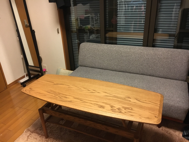 momo naturalの机が届きました!