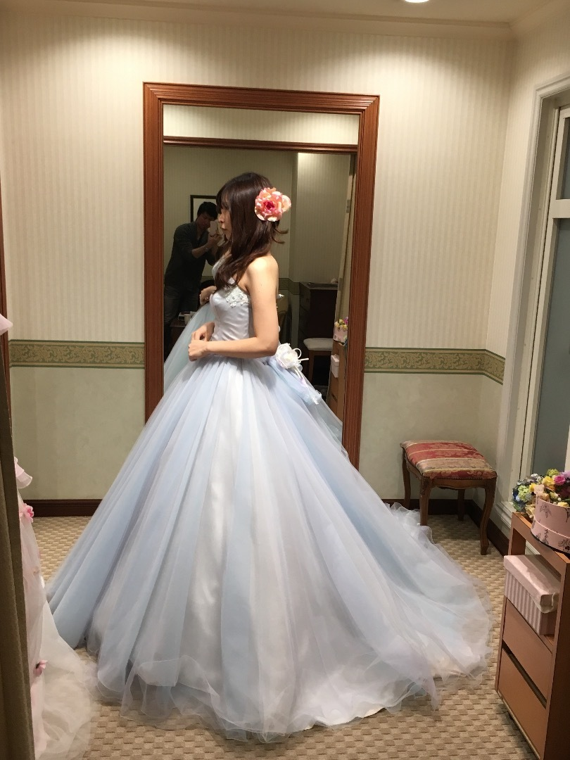 ドレスの試着(3)タカミブライダル